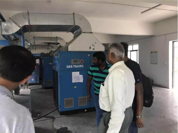 印度节能空气压缩机客户来我司参观考查